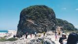 Awesome rock by Kapurpurawan